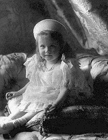 Anastasia Romanóva de pequeña